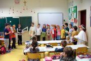Występ uczniów klasy II a dla pierwszoklasistów